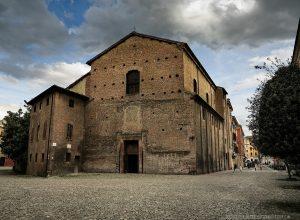 chiesa pomposa